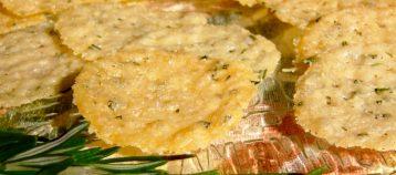 Tuiles au parmesan et romarin