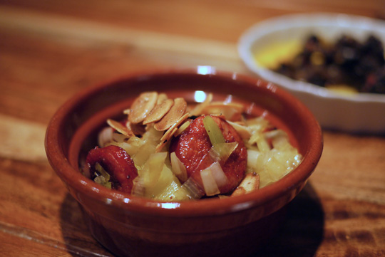 Chorizo au fondant de poireau et aux amandes