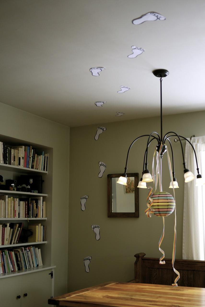 Qui a marché au plafond?