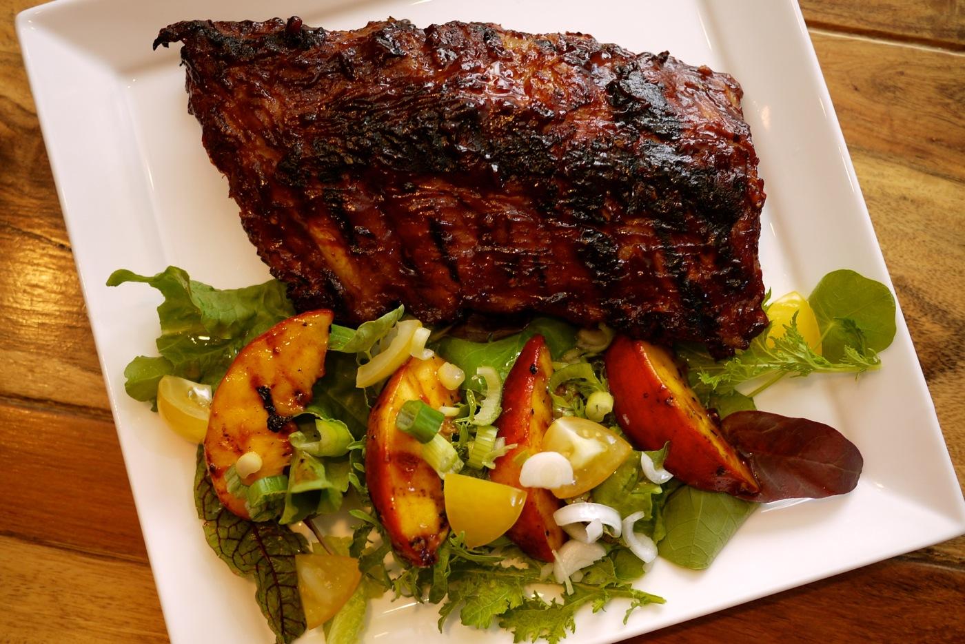 Côtes levées grillées sur le barbecue... un délice!