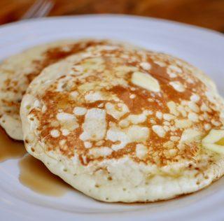 Pancakes au lait fermenté (un titre qui ne dit pas à quel point c'est boooooon!)