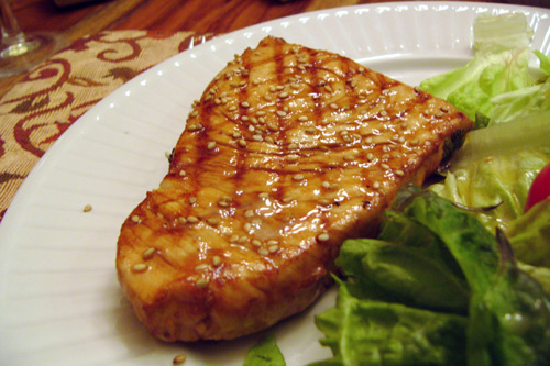 Steak de marlin bleu marin la lime et mi cuit banlieusardises - Recette steak de thon grille ...