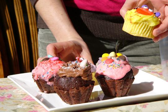 cupcakes_mains_assiette