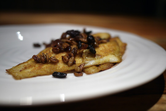 Filets de sole au cari, raisins et graines de tournesol