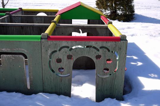 Les parcs de jeux sous la neige