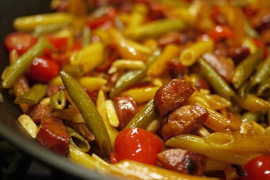 Pâtes au chorizo et aux amandes