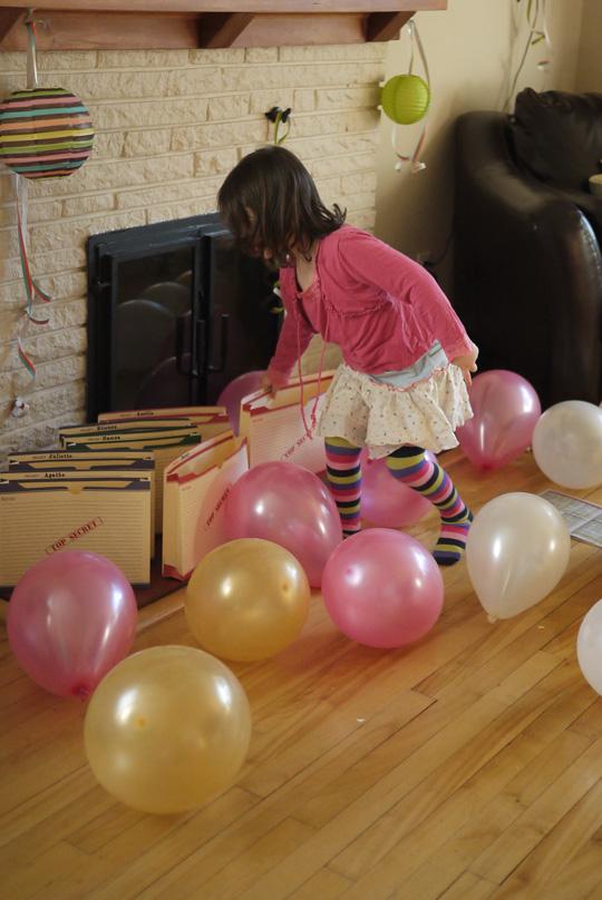 Thème d'anniversaire: détectives privés en mission