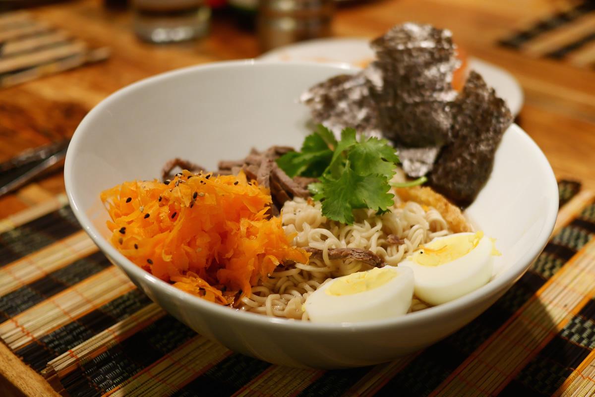 Ramen aux carottes, aux oeufs et au rosbif!