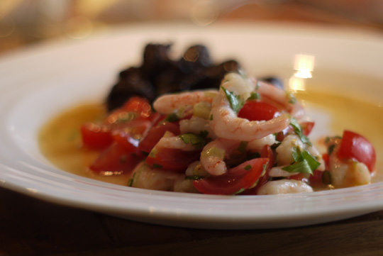 Crevettes nordiques aux tomates et au citron confit