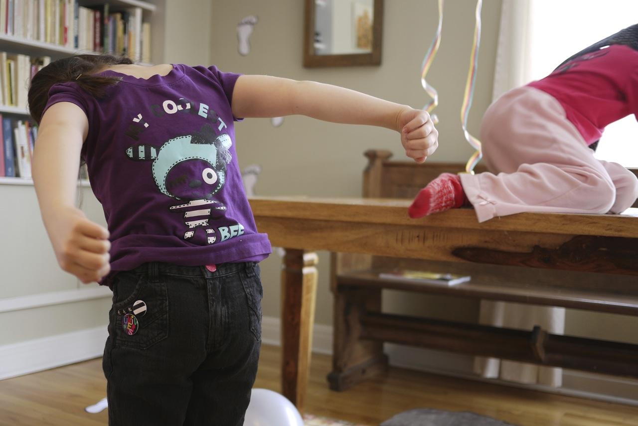 Le code vestimentaire: s'habiller à l'envers, ce que chacun interprétait à sa manière!