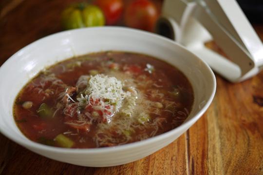 Soupe vide-frigo aux pâtes fregola sarda