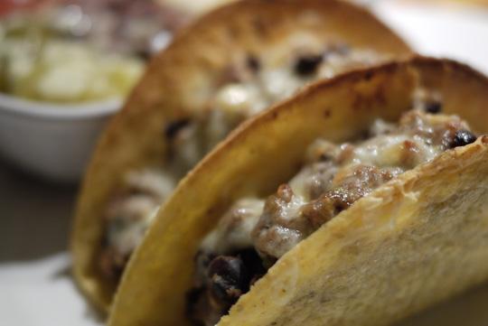 recette mexicaine tacos de boeuf aux tomatilles. Black Bedroom Furniture Sets. Home Design Ideas
