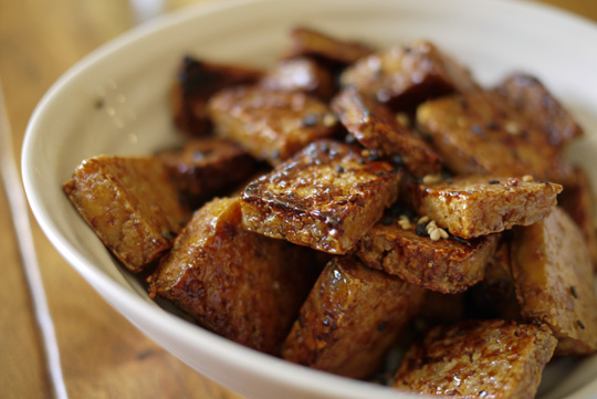 Tofu caramélisé à l'érable
